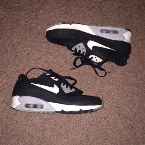 e6ad11fd0db29 Nike Shoes | Air Max 90 Black And White Boys Size 65 | Poshmark